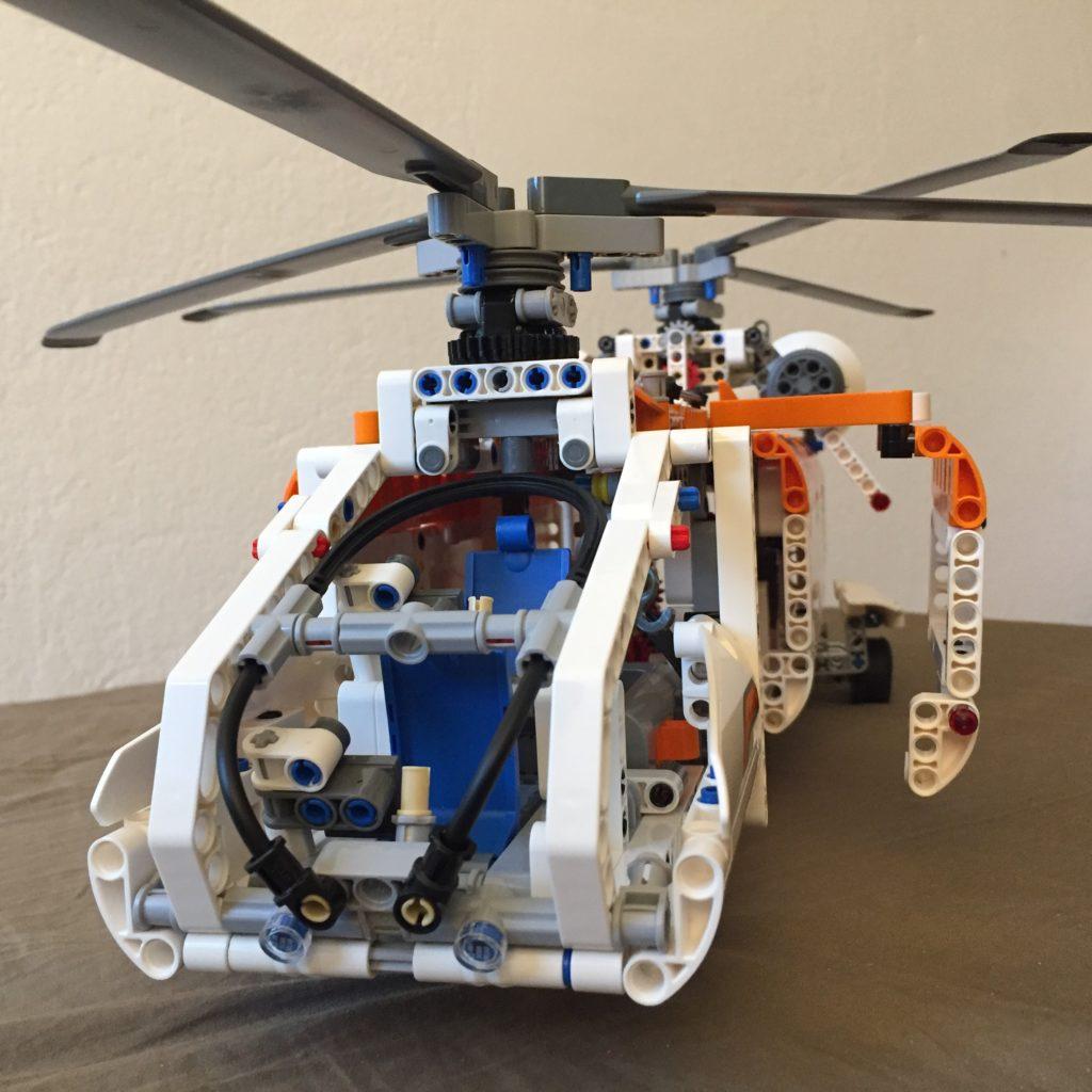 Tandemrotor-Hubschrauber von LEGO Technic
