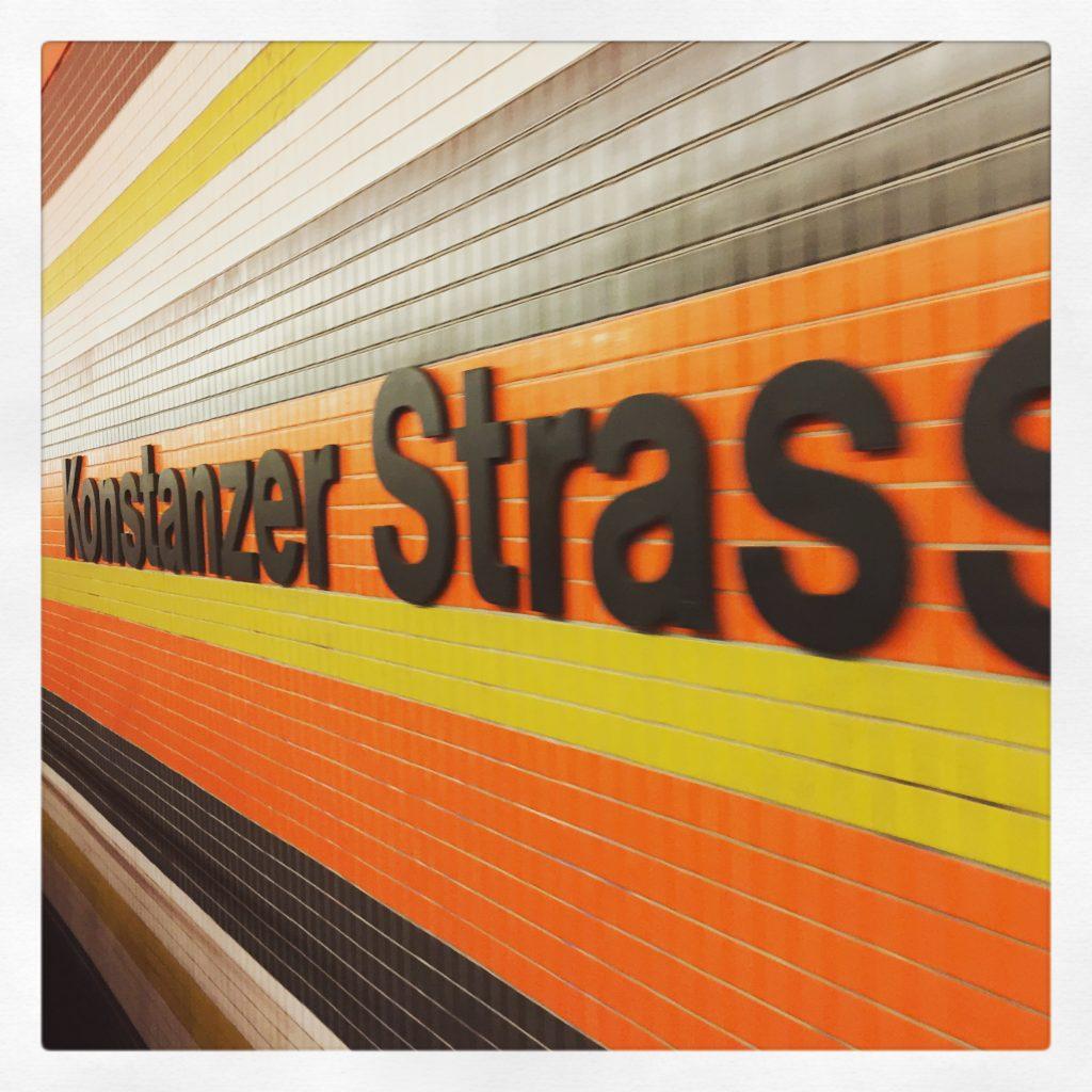 In jedem Bahnhof lösen wir ein großes Hallo aus